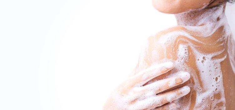 Hay productos específicos para la higiene íntima sin llegar a recurrir a las duchas vaginales