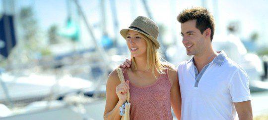 Un paseo es una buena opción para la primera cita