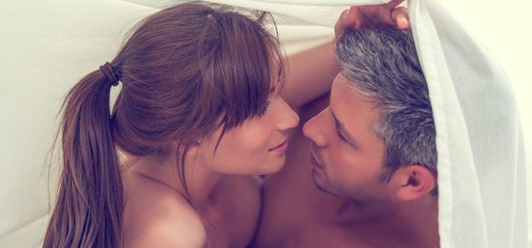 Recuperar momentos del pasado que pueden encender tu relación es muy importante