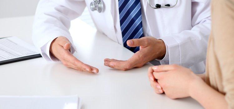 Consultar con un especialista es fundamental cuando se tienen dudas sobre una enfermedad que se padece
