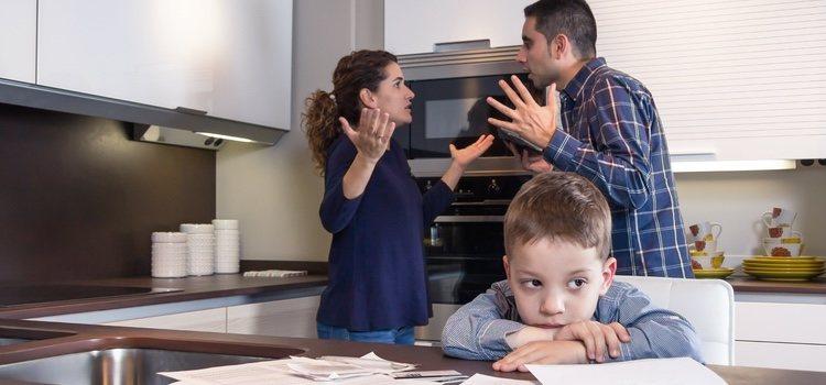 Tener un hijo no siempre es una buena solución cuando la pareja está mal