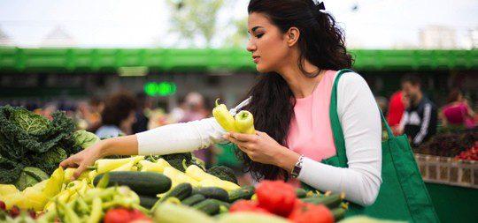Cuida tu alimentación para mejorar tu ánimo