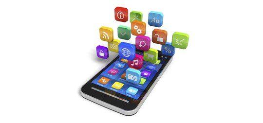 Las nuevas tecnologías han cambiado hábitos sociales como ligar o encontrar pareja por el móvil