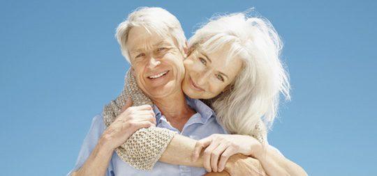 Cuando las personas mayores están divorciados o viudos pueden encontrar de nuevo una pareja