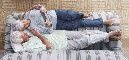 Es mejor vivir acompañado con alguien incondicional a tu lado con quien compartir la vejez