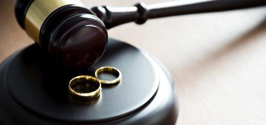 La demanda de nulidad matrimonial y todas las pruebas se presentan en el Tribunal de la Rota