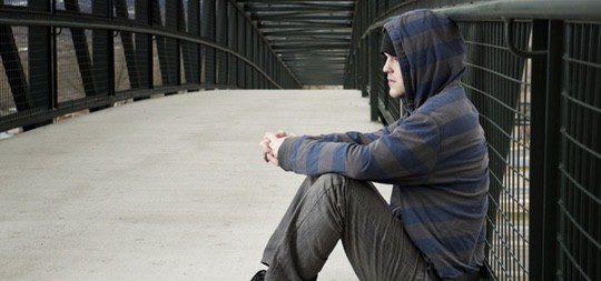 La persona con disforia normalmente se da cuenta durante la adolescencia
