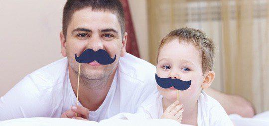Puedes dejar a tu hijo con algún familiar o amigo