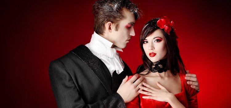 Disfrazarse en pareja es una de las mejores opciones en Halloween