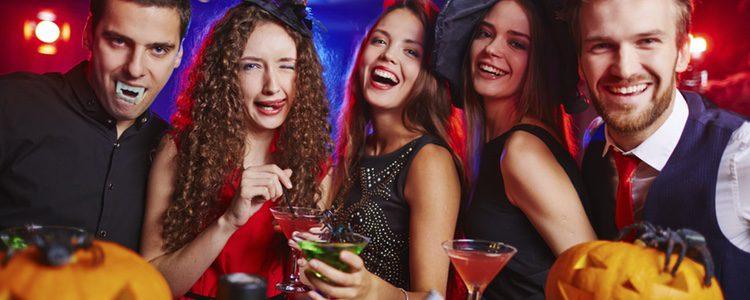 Aunque si el plan con tu pareja no te convence siempre puedes recurrir a disfrutar con tus amigos
