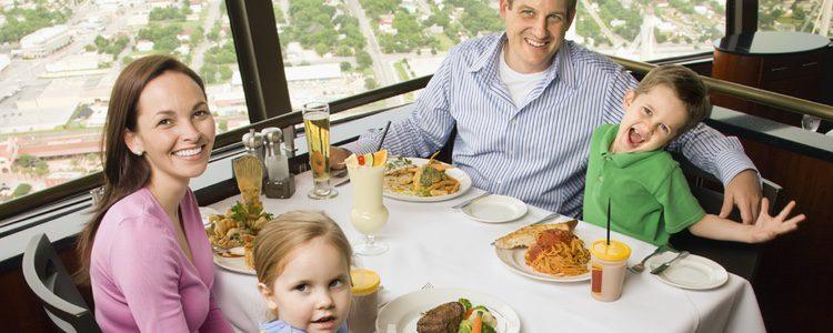Nada mejor que visitar un buen restaurante y disfrutar de una velada entretenida