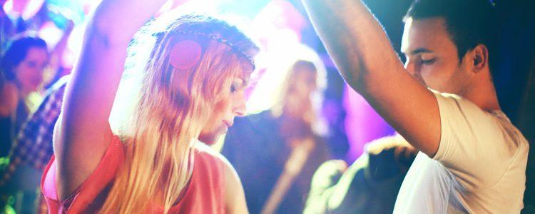 Noche de baile con tu pareja