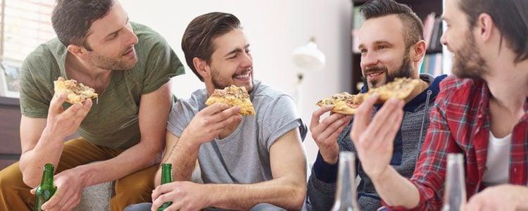 Date un capricho con una buena comida solo o en compañía