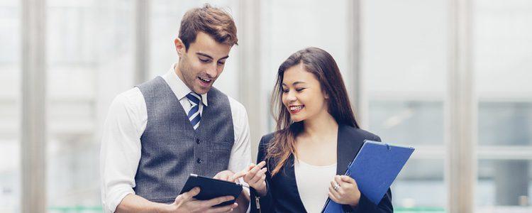 Es una ventaja que tu pareja sea tu socio, pues ayuda a motivar el ejercicio laboral.