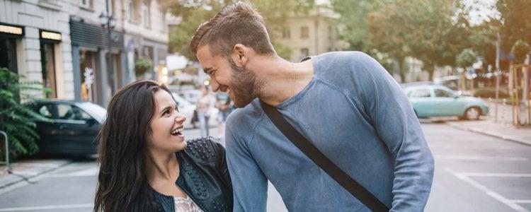 Si tu amigo no tuvo una relación larga será más fácil que apruebe vuestra relación