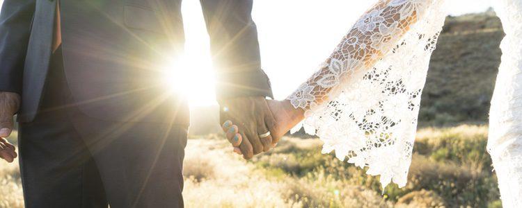 Cada vez más personas planean casarse en secreto