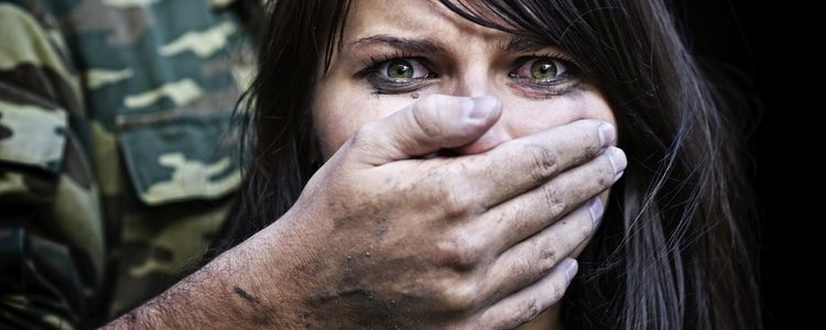 La incapacidad para asumirlo alarga el sufrimiento y acorta la vida de las maltratadas