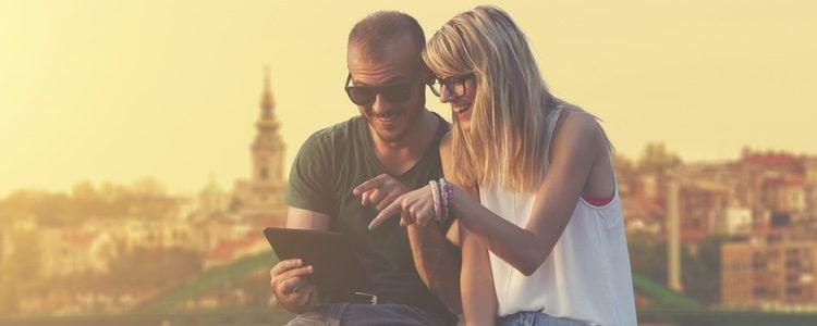 Compartir momentos y luego recordarlos fortalece a la pareja