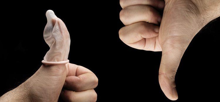 Siempre se debe practicar sexo seguro pero eso no significa colocarse dos condones