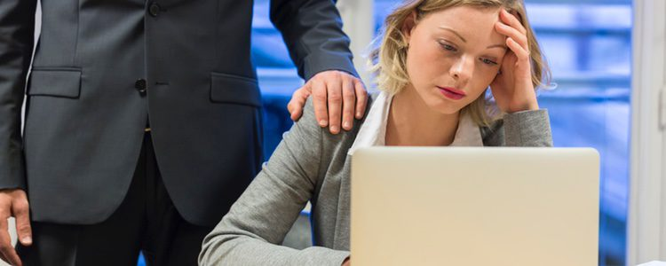 El comportamiento y ambiente del presunto acosador es intimidatorio y tenso
