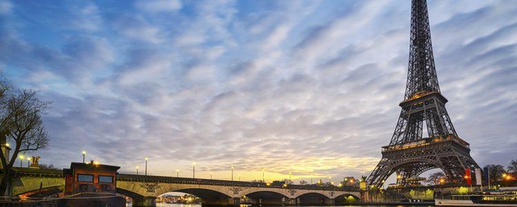 Aunque sea una ciudad típica, París es la ciudad del amor por excelencia