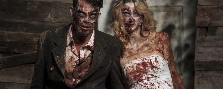 El disfraz de zombie es una idea estupenda para ir con tu pareja