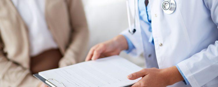 Los médicos pueden recomendar tratamientos con estrógenos para combatir la sequedad vaginal