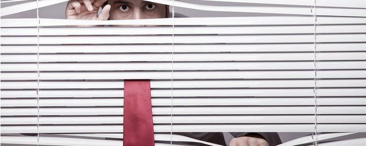 Puede llegar a resultar morboso hacerlo a escondidas o en silencio