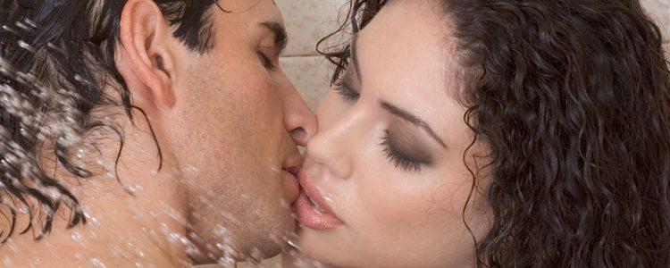 Utilizar la ducha puede ser una de las formas para evitar que os pillen