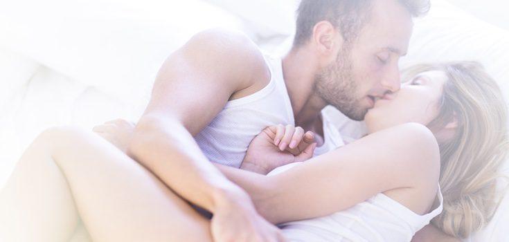 Pareja disfrutando del sexo
