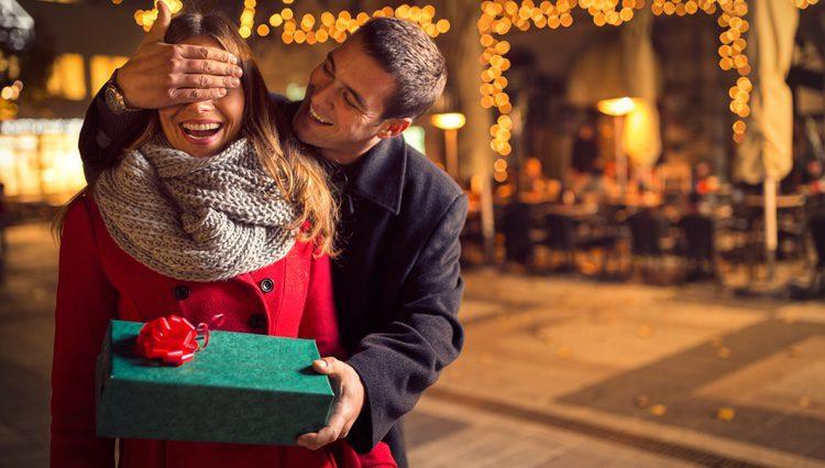 Una frase romántica puede ser un bonito gesto de cara a tu pareja