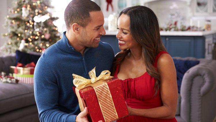 La Navidad puede ser una buena época para vivir el amor al lado de tu pareja