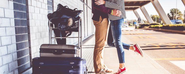 Cuando planees el viaje mantenlo en secreto para que tu pareja no se entere