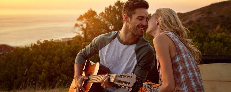 Las canciones románticas siempre encandilaran a tu pareja