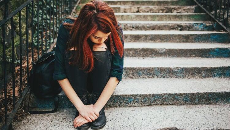 Uno de los sentimientos más comunes es la tristeza que afecta a nuestro sueño y humor