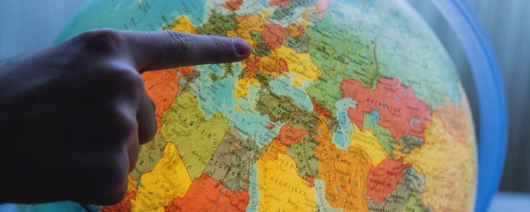 Elabora una bola del mundo y pon fotografías de los lugares en los que habéis estado