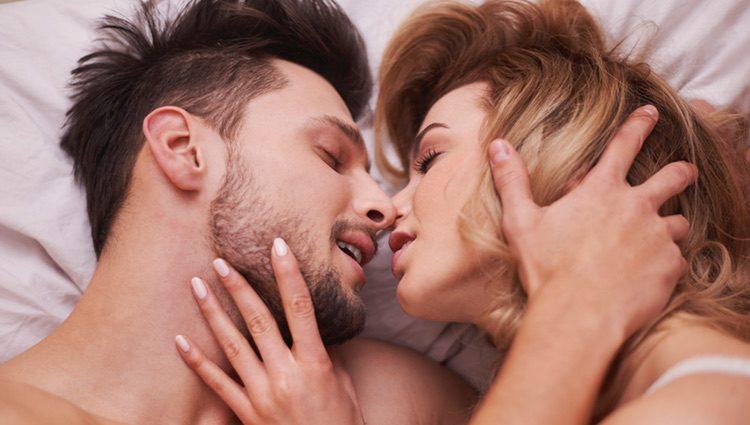 Un hombre puede tener sus recursos para fingir y disimular los orgasmos
