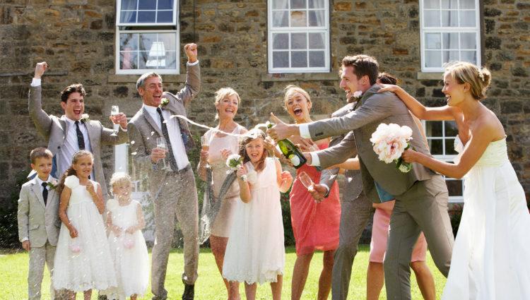 Deberías pensar que a tu boda solo puede acudir personas que realmente aporten algo en tu vida