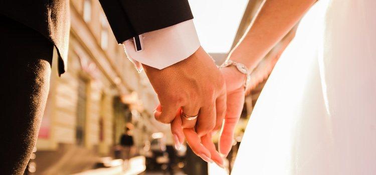 Encontrar las palabras adecuadas para mostrar tu amor incondicional por tu pareja es un factor clave en la celebración