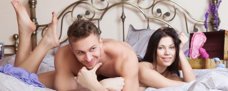 Los juegos previos y los juguetes sexuales te ayudarán a calentar el ambiente y pueden ser muy divertidos