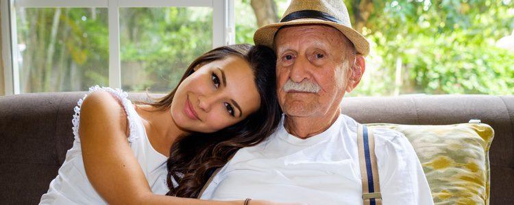 Lo primero que tendrás que tener en cuenta es el tipo de relación que tienes con tus abuelos y su mentalidad