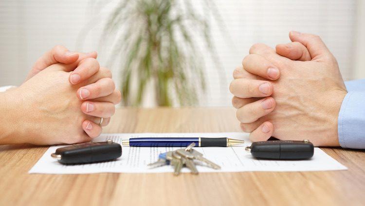 Los acuerdo matrimoniales deben hacerse mediante un notario en el Registro Civil, ya que sino no es un acuerdo legal