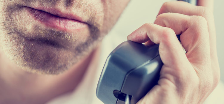Si tu expareja te acosa por teléfono deberas bloquearle o cambiar de número