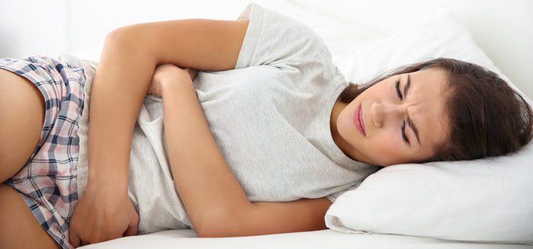 Los principales síntomas son los mareos o el dolor de cabeza intenso