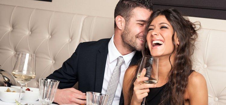 Un restaurante suele ser un acierto seguro para la primera cita