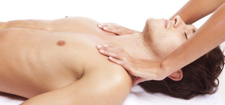 Haz masajes sensuales a tu pareja porque le encantarán