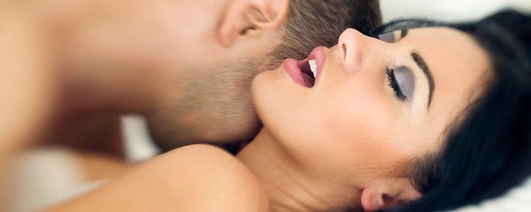La mujer mejora su vida sexual a través de la práctica del kung fu sexual