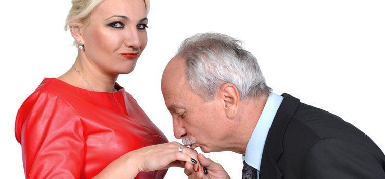 Es probable que si eres mujer hayas tenido normalmente parejas mayores que tú