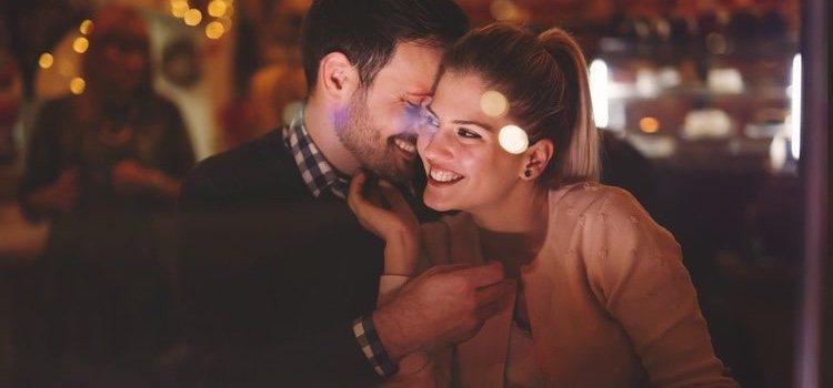 Probar cosas nuevas reaviva las relaciones de pareja