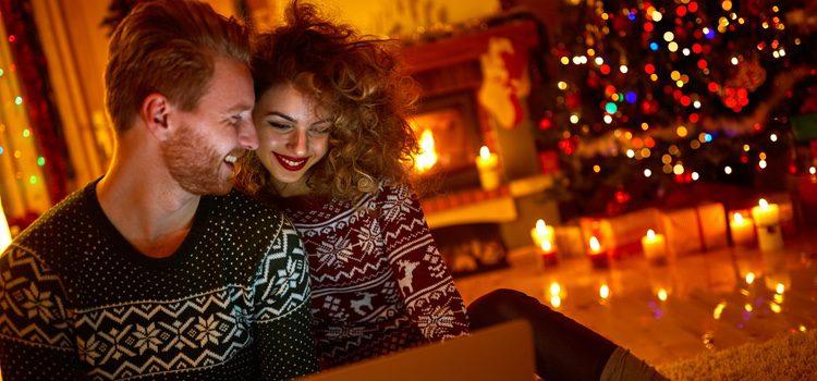 Organizar las Navidades en pareja puede ser un plan ideal para que todo salga redondo